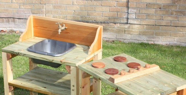 Outdoor Mud Kitchen in Ainderby Steeple